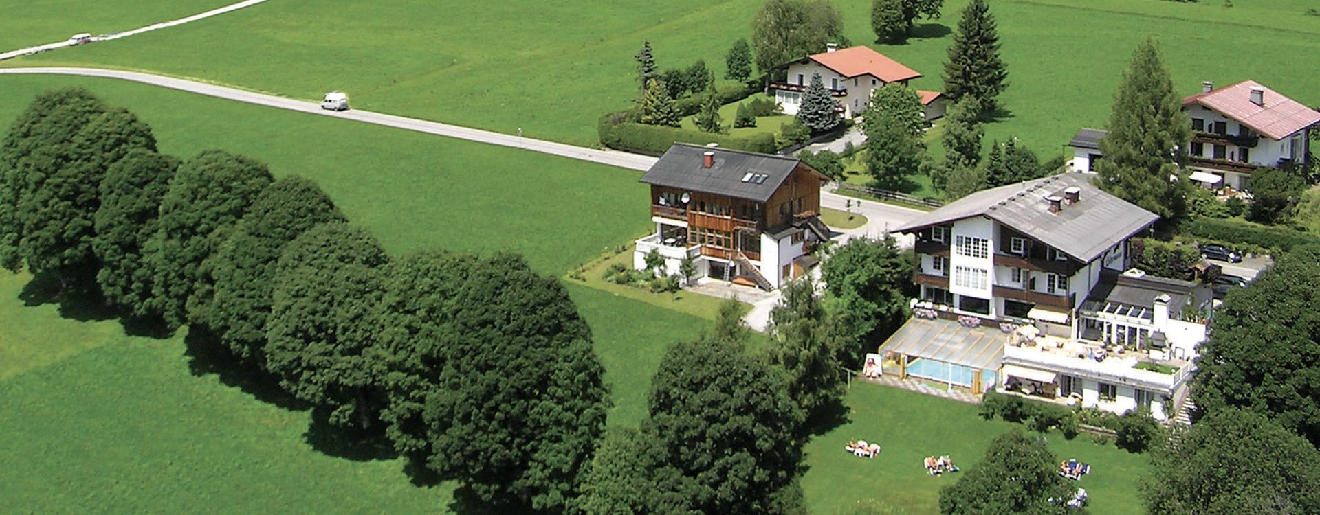 http://landhaus-luehrmann.at/wp/wp-content/uploads/2015/09/l%C3%BChrmann_luft_edited.jpg